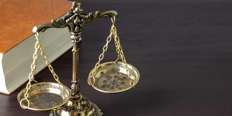 退職代行サービスで会社を辞めると損害賠償を請求される?